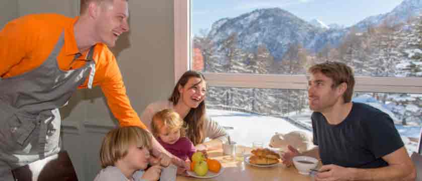 Village club du soleil - family breakfast